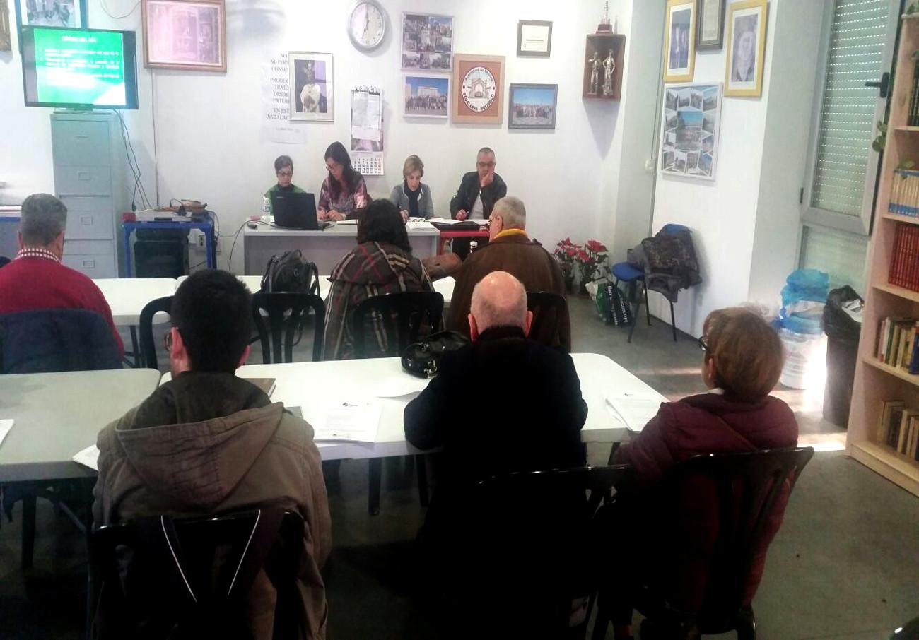 En la imagen, instante de la Asamblea de socios de FACUA Málaga.