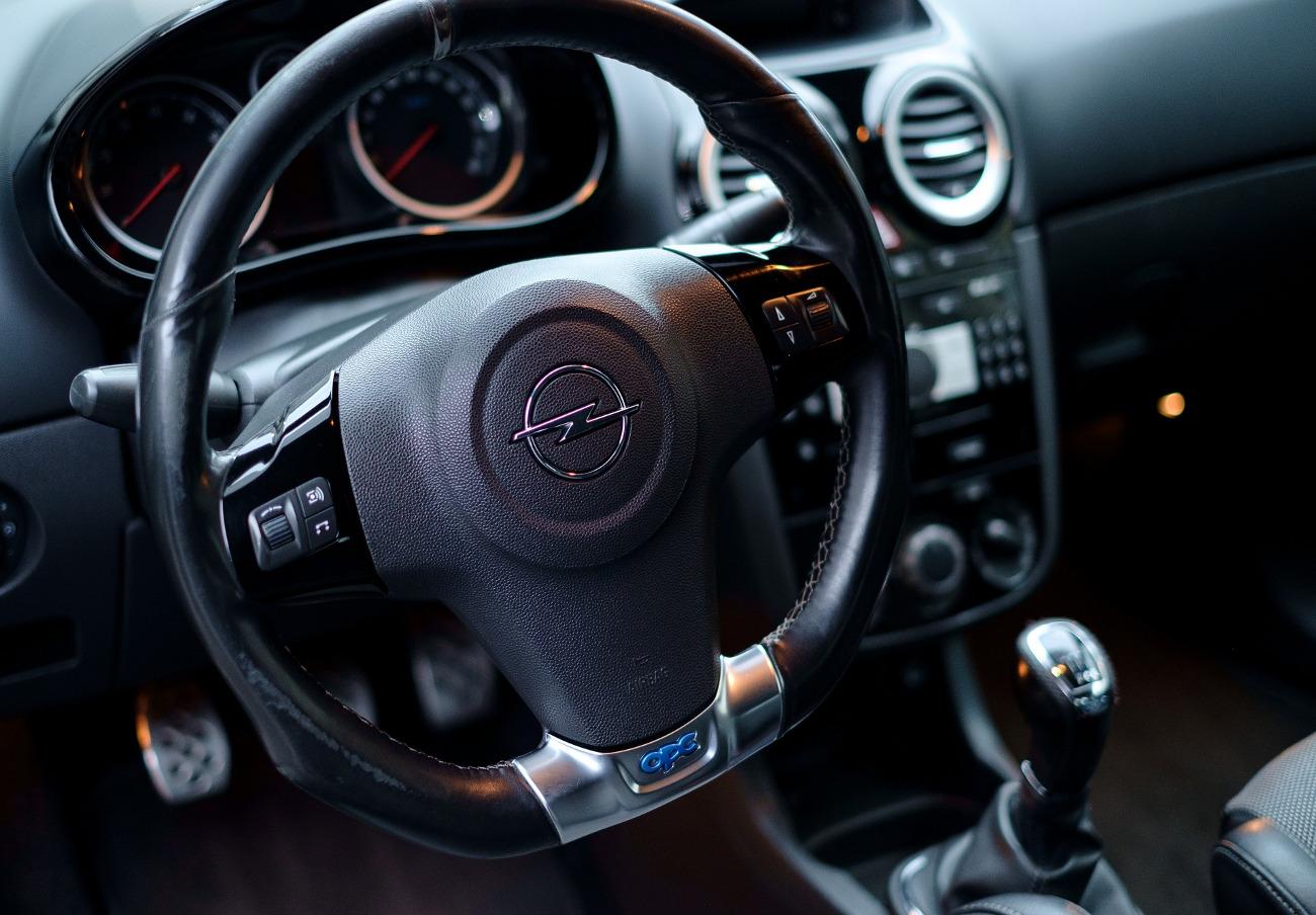 FACUA alerta de la llamada a revisión de los vehículos Opel Grandland X por riesgo de rotura del motor