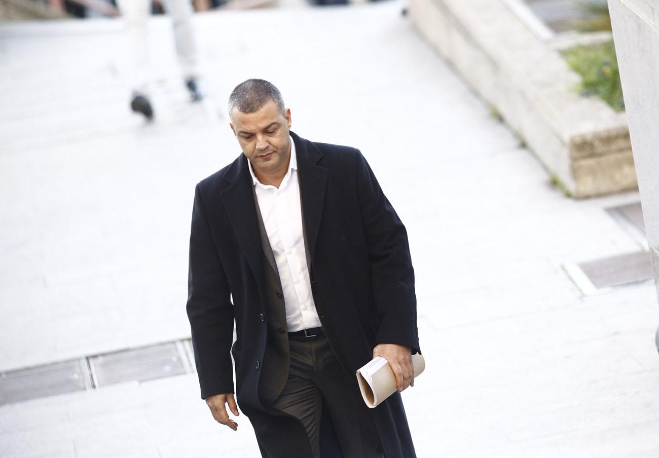 Madrid impone a la empresa de Miguel Ángel Flores una multa de 300.500 euros y la inhabilita dos años
