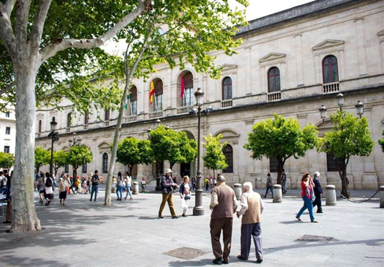 FACUA Sevilla y otras organizaciones reclaman a los partidos apoyar una moción para mejorar la habitabilidad