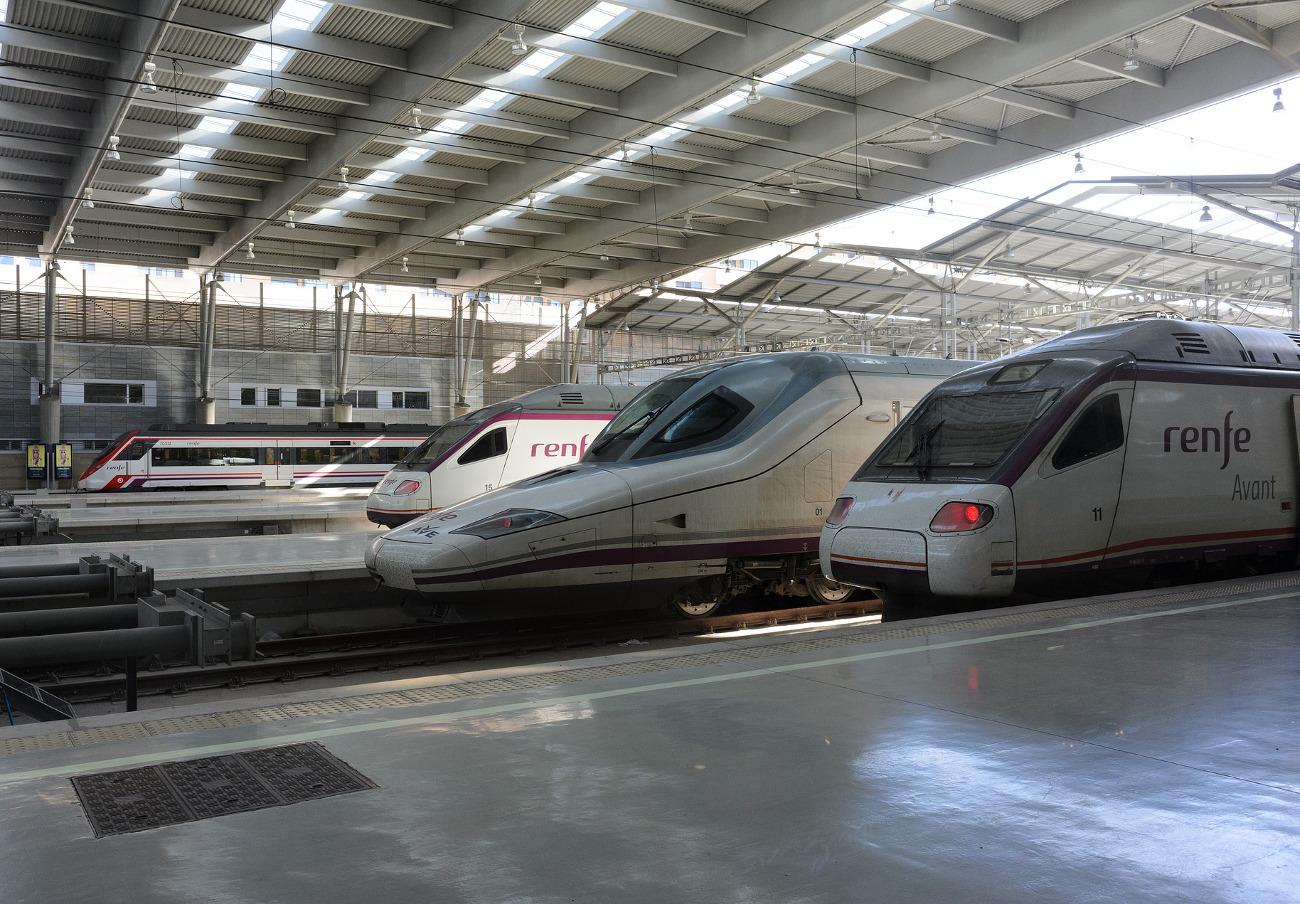 FACUA considera inaceptable que Renfe prive a Cantabria de trenes para suplir sus carencias en Cataluña