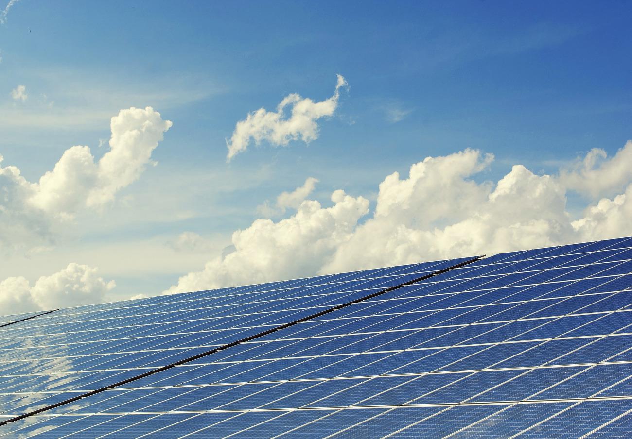 Condenan a España a pagar 112 millones de euros por el recorte a las energías renovables