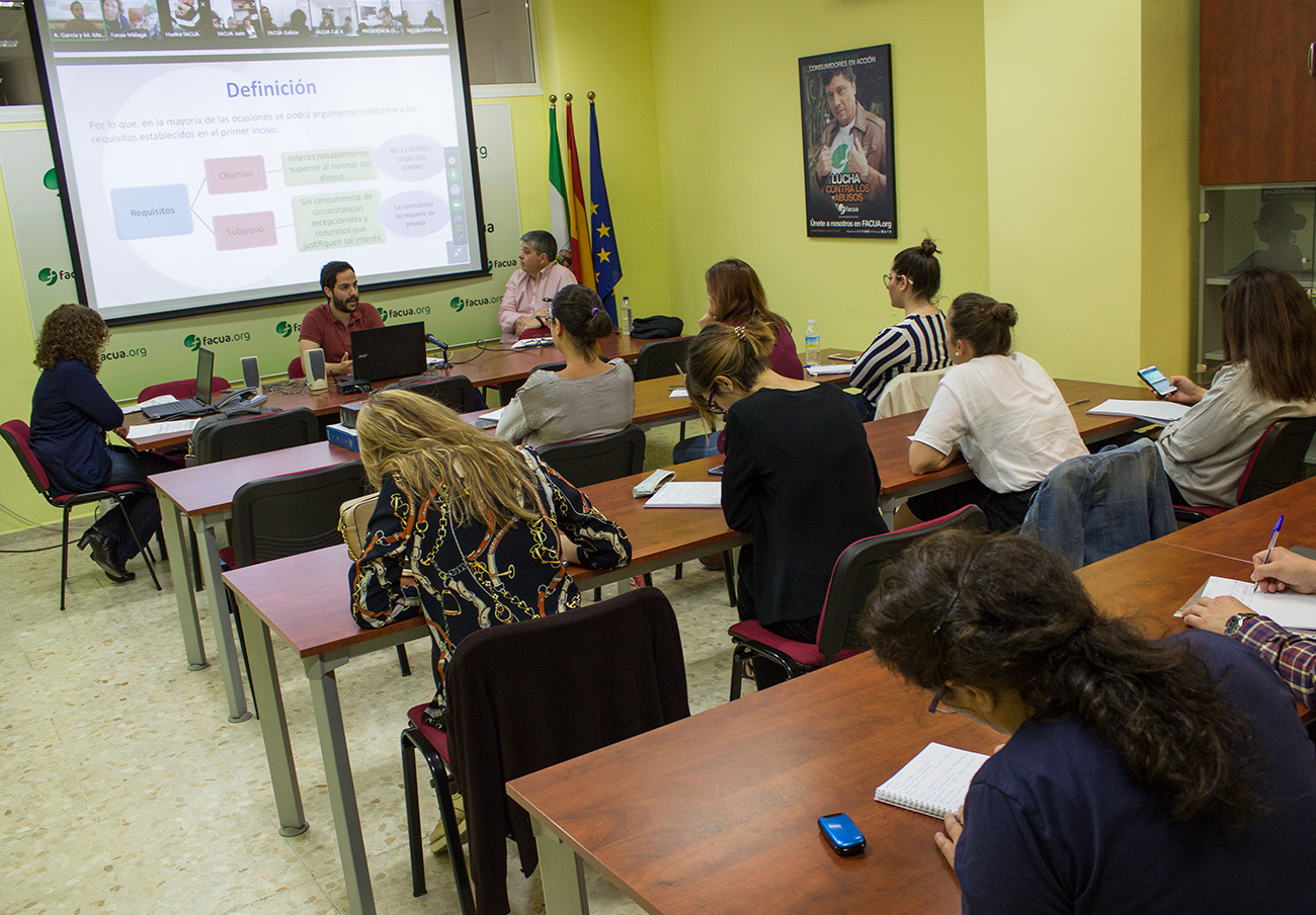 Formación de los cuadros directivos de FACUA y sus organizaciones territoriales. | Imagen: Lydia López.