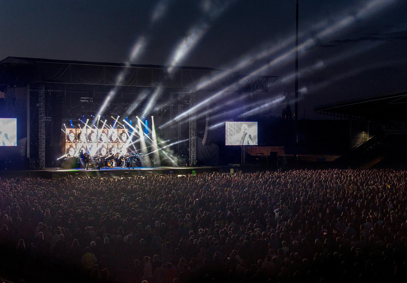 FACUA pide una sanción para el festival Sónar 2019 por prohibir el acceso con comida y bebida