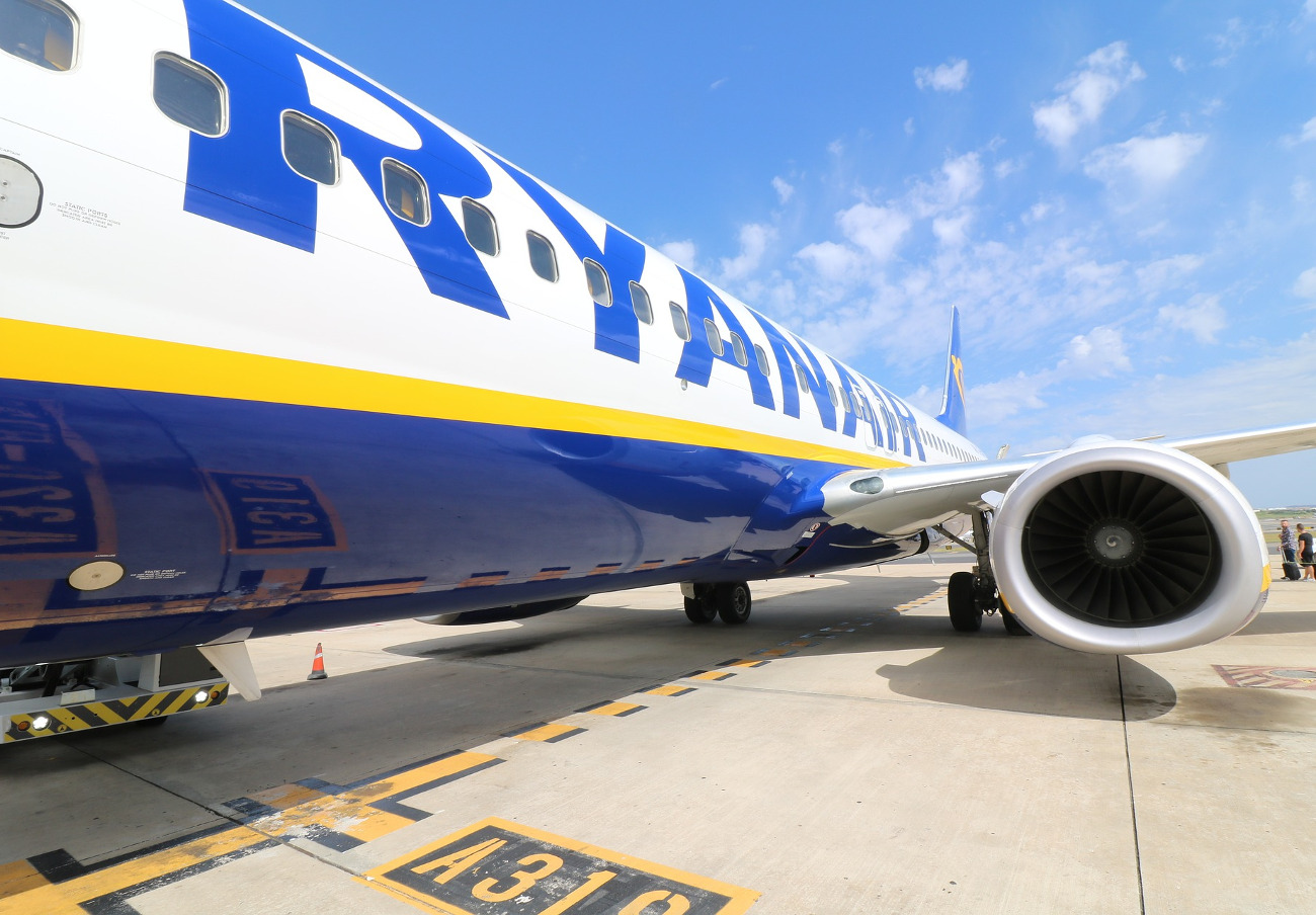 Un juzgado de lo mercantil condena a Ryanair por cobrar 20 euros a una pasajera por el equipaje de mano
