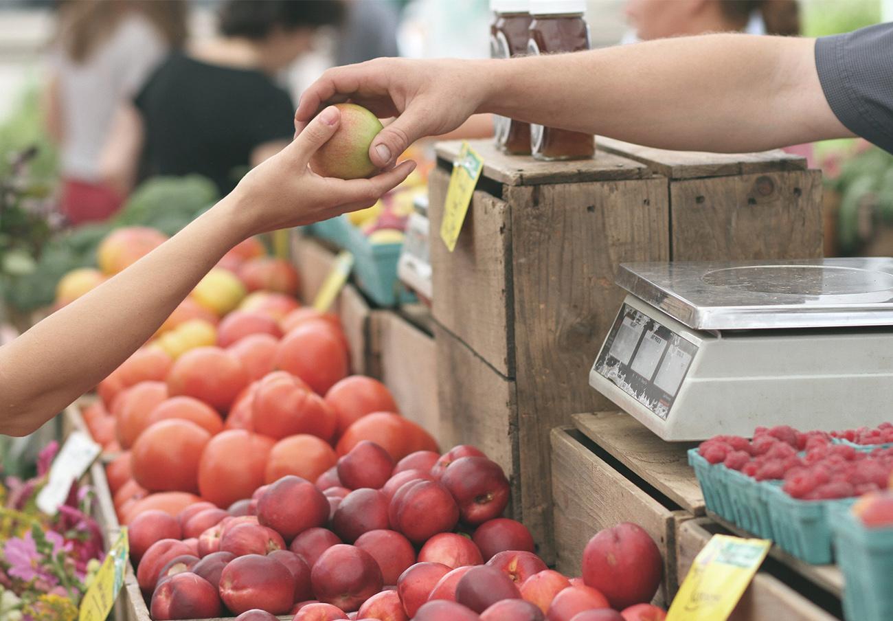 El 58% de los sevillanos encuestados por FACUA ve más protegidos sus derechos en los comercios físicos que online