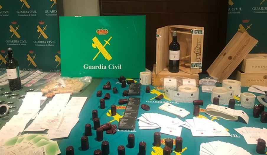 Detenidas cuatro personas por falsificar y vender vinos de alta gama por hasta 1.900 euros la botella