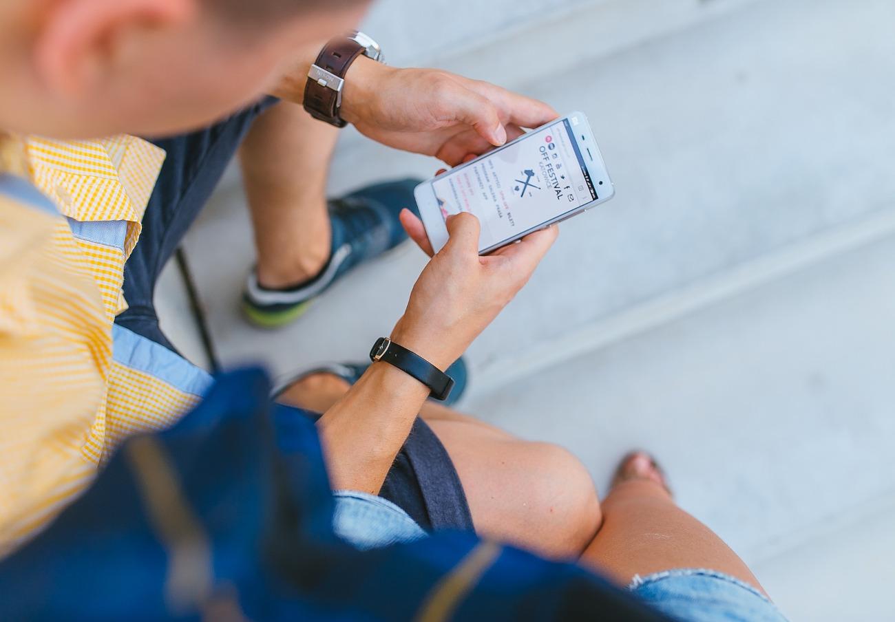 Las telecos no pueden saltarse el tope de 60 euros de facturación en roaming fuera de la UE, alerta FACUA