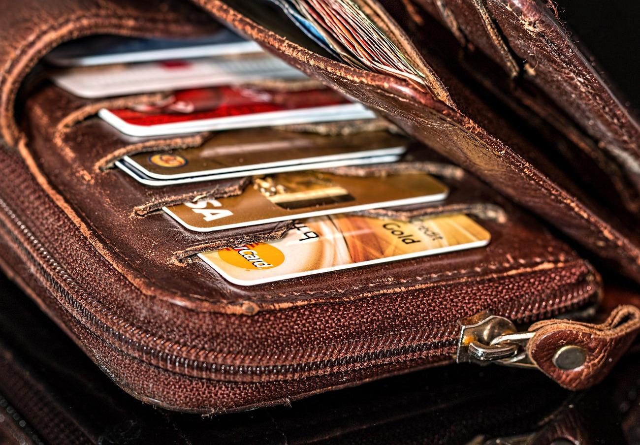"Revolving: El TS considera usura los intereses ""notablemente"" superiores a la media de estas tarjetas"