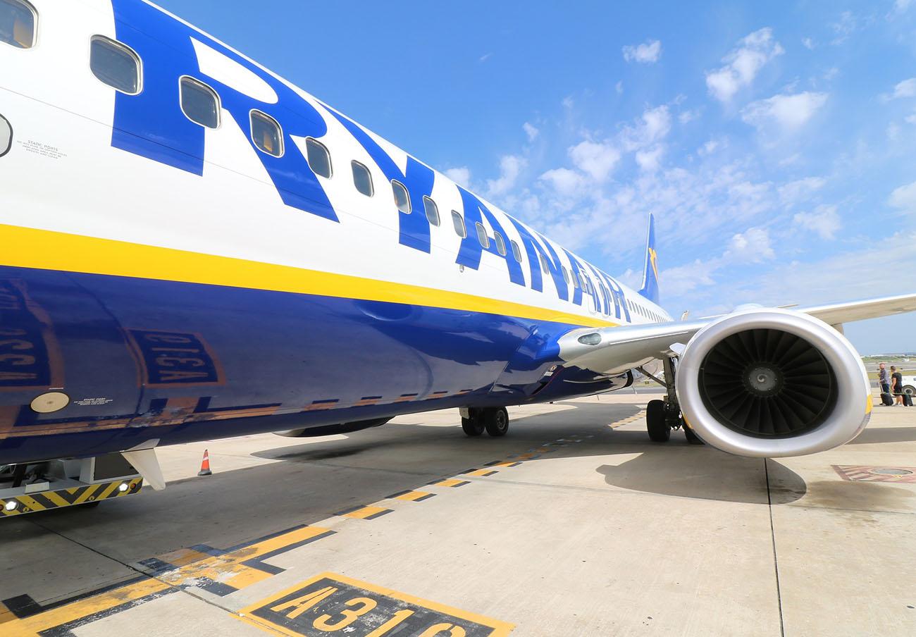 FACUA insta a Fomento a que tome medidas para frenar el cobro que hará Ryanair por el equipaje de mano