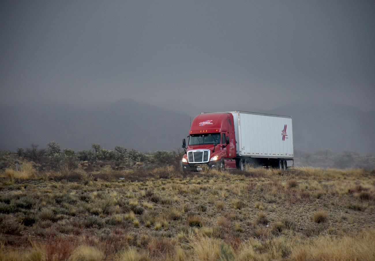 FACUA pide que se cumpla la prohibición de circulación de vehículos de más de ocho toneladas en Brañaseca