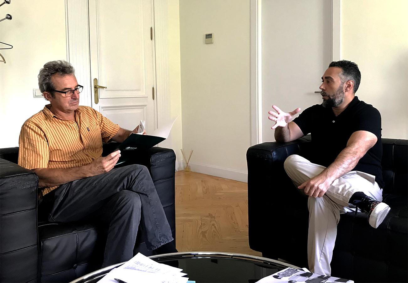 FACUA se reúne con la Academia de Cine para analizar la bajada del IVA