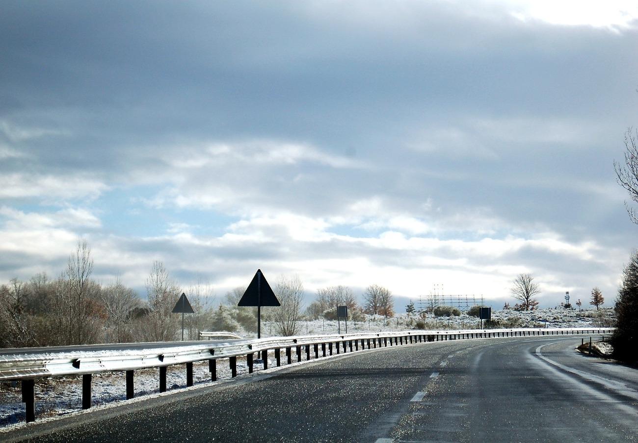 Autopistas del Atlántico deberá pagar la asistencia médica de un conductor accidentado por una placa de hielo en la calzada