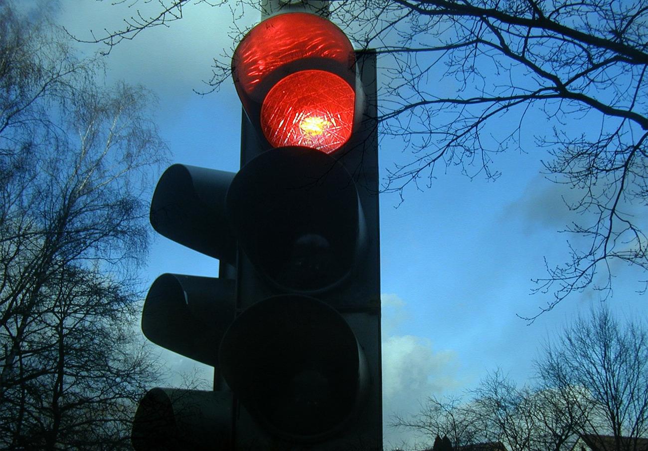 FACUA insta al Ayuntamiento asturiano de Aller a arreglar semáforos que llevan años sin funcionar