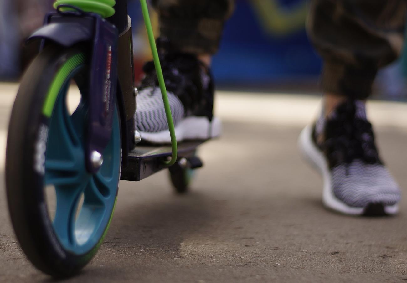 Los patinetes no pueden circular por las aceras desde el 2 de enero