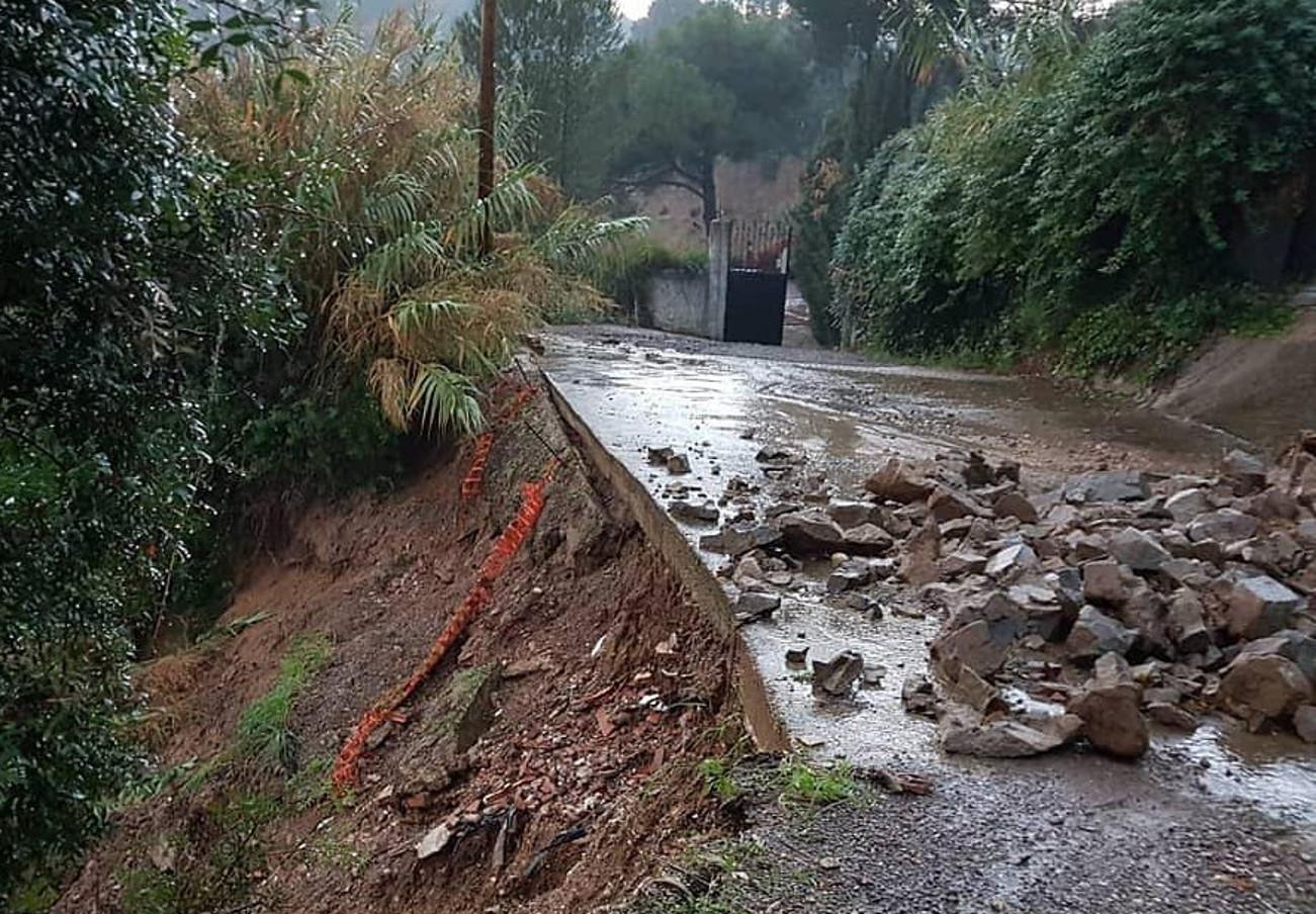 FACUA Catalunya pide al Ayuntamiento de Rubí (Barcelona) que arregle una vía en mal estado en Can Ximelis
