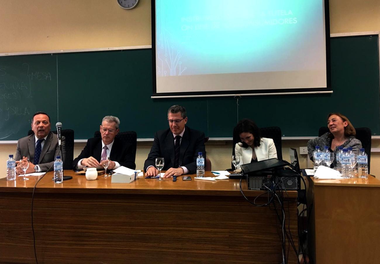 FACUA Córdoba participa en una mesa redonda de la Universidad de Córdoba sobre protección al consumidor