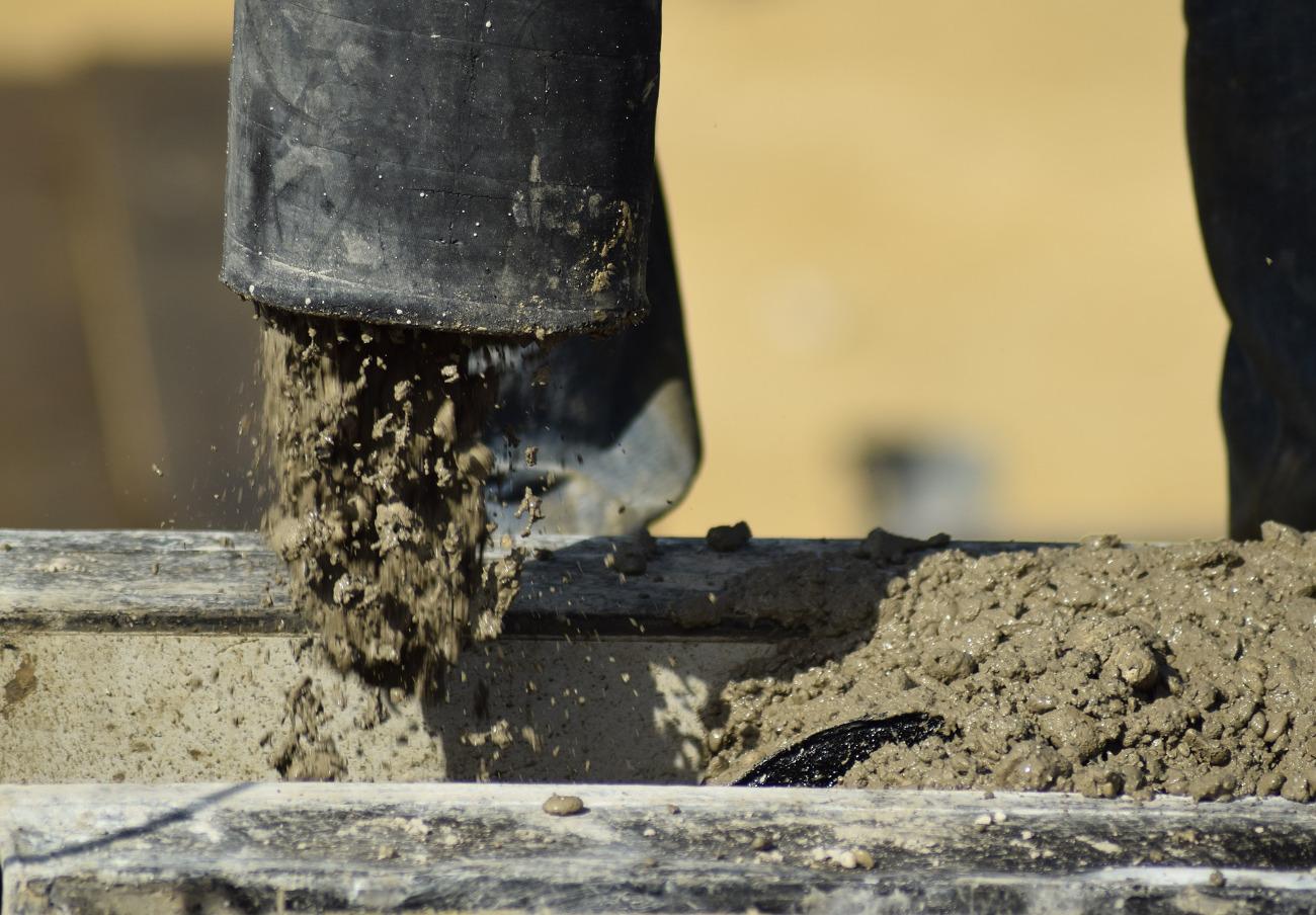 La empresa de aguas Emasesa, condenada a pagar 10.000 euros a una anciana por la caída en una obra