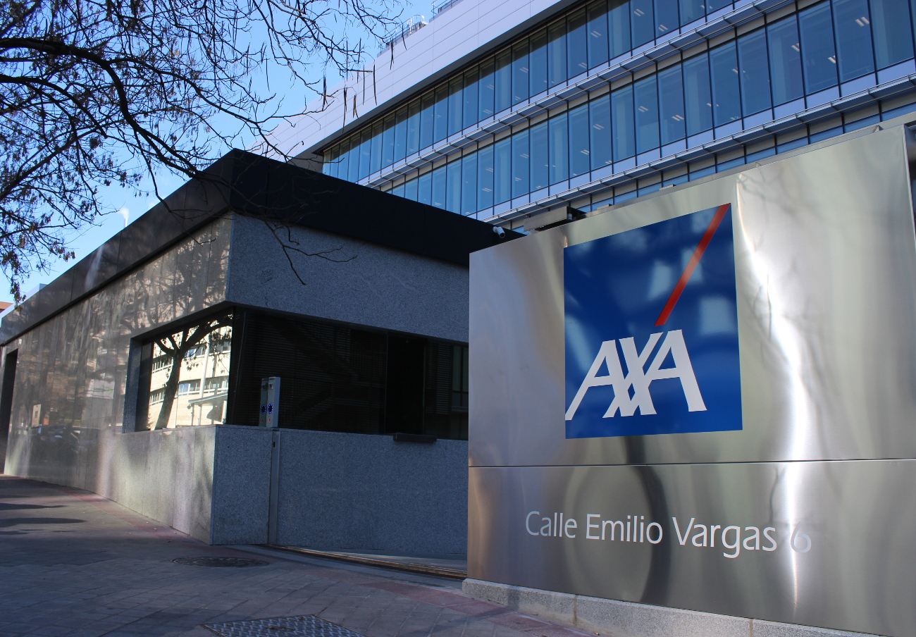 Tras la acción de FACUA, AXA indemniza con 326 euros a un usuario por un accidente en un taxi