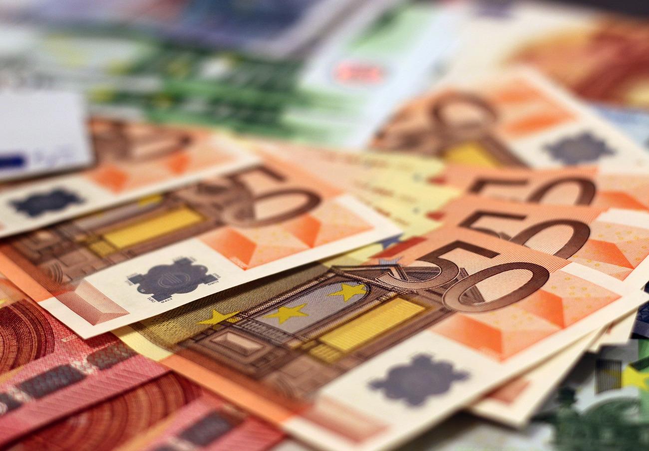 Unión Financiera Asturiana, condenada a anular un préstamo de 2.500 euros de una socia de FACUA Cádiz