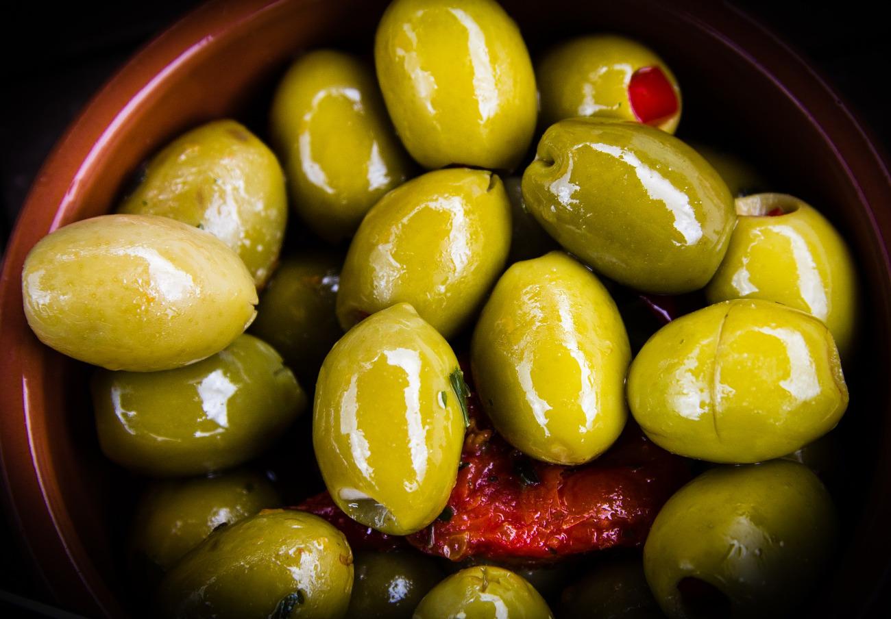 Detectan pan rallado sin especificar en pasta de aceitunas verdes de la marca Menu, alerta FACUA