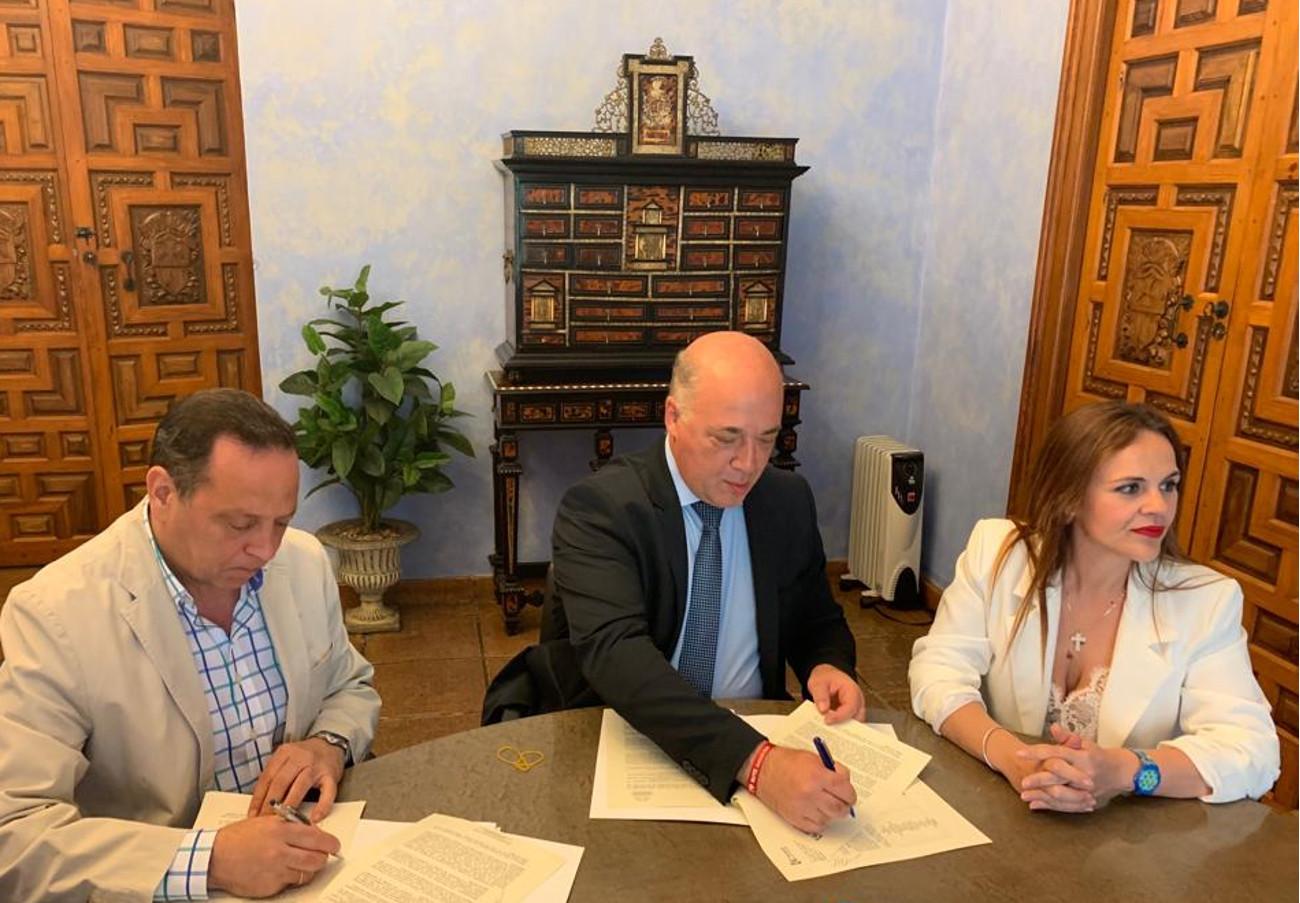 FACUA Córdoba renueva el convenio para gestionar quince puntos de información al consumidor