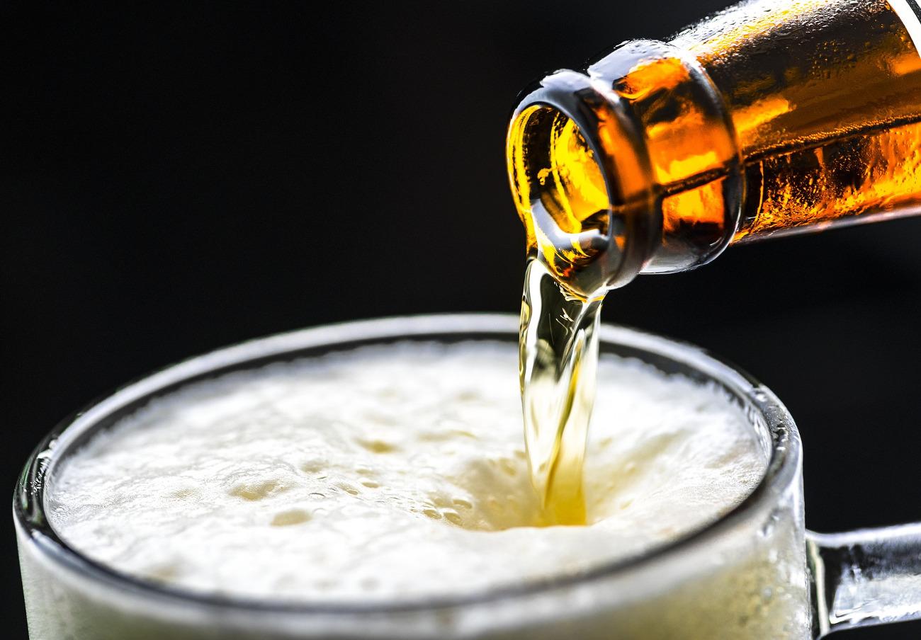 Bruselas multa con 200 millones a la mayor cervecera del mundo por abusar de su posición dominante