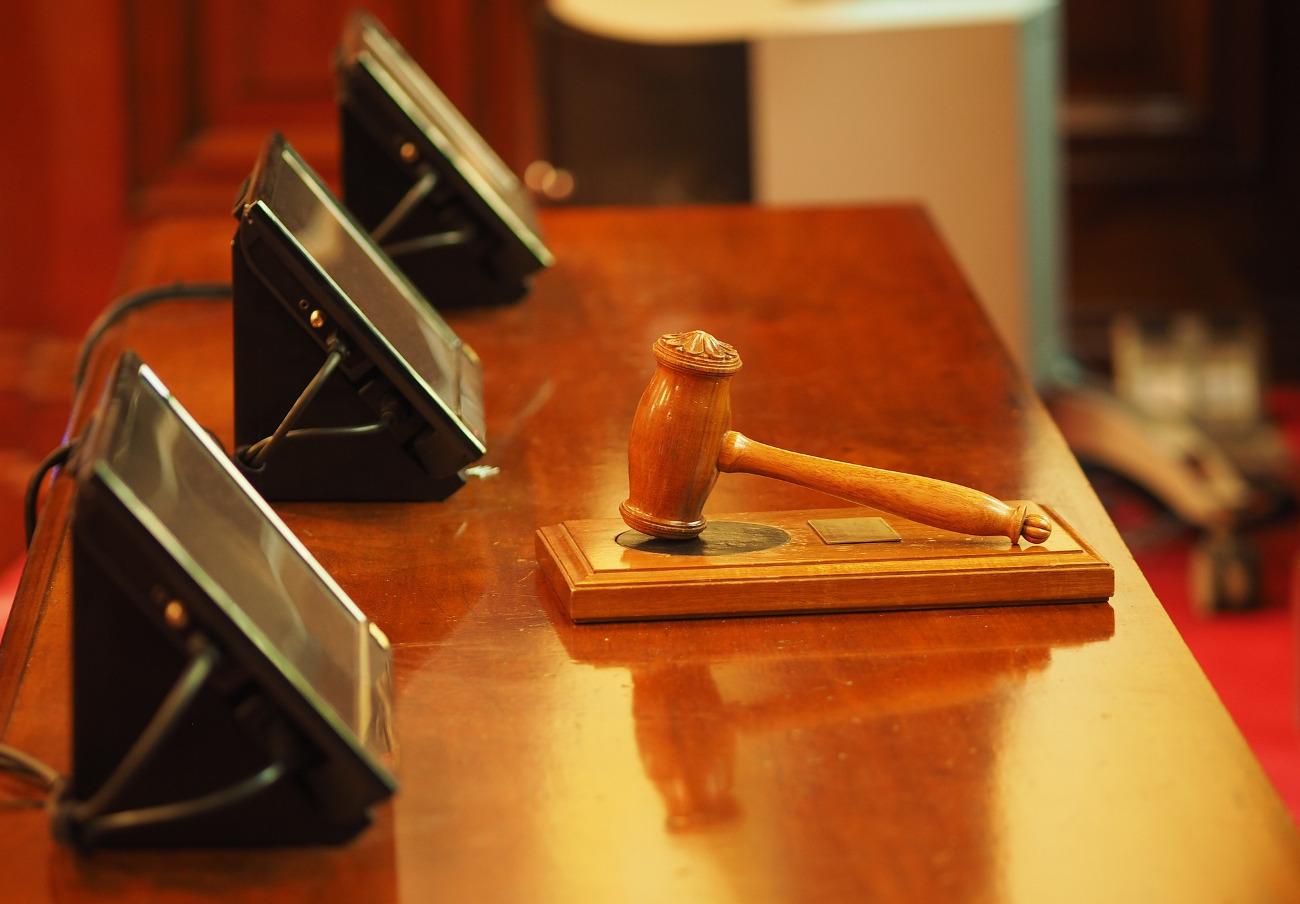 Condenado un abogado a 2 años y medio de cárcel por quedarse con más de 100.000 euros de unos clientes