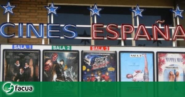 Multan a un cine de Badajoz por no permitir la entrada con comida y bebida