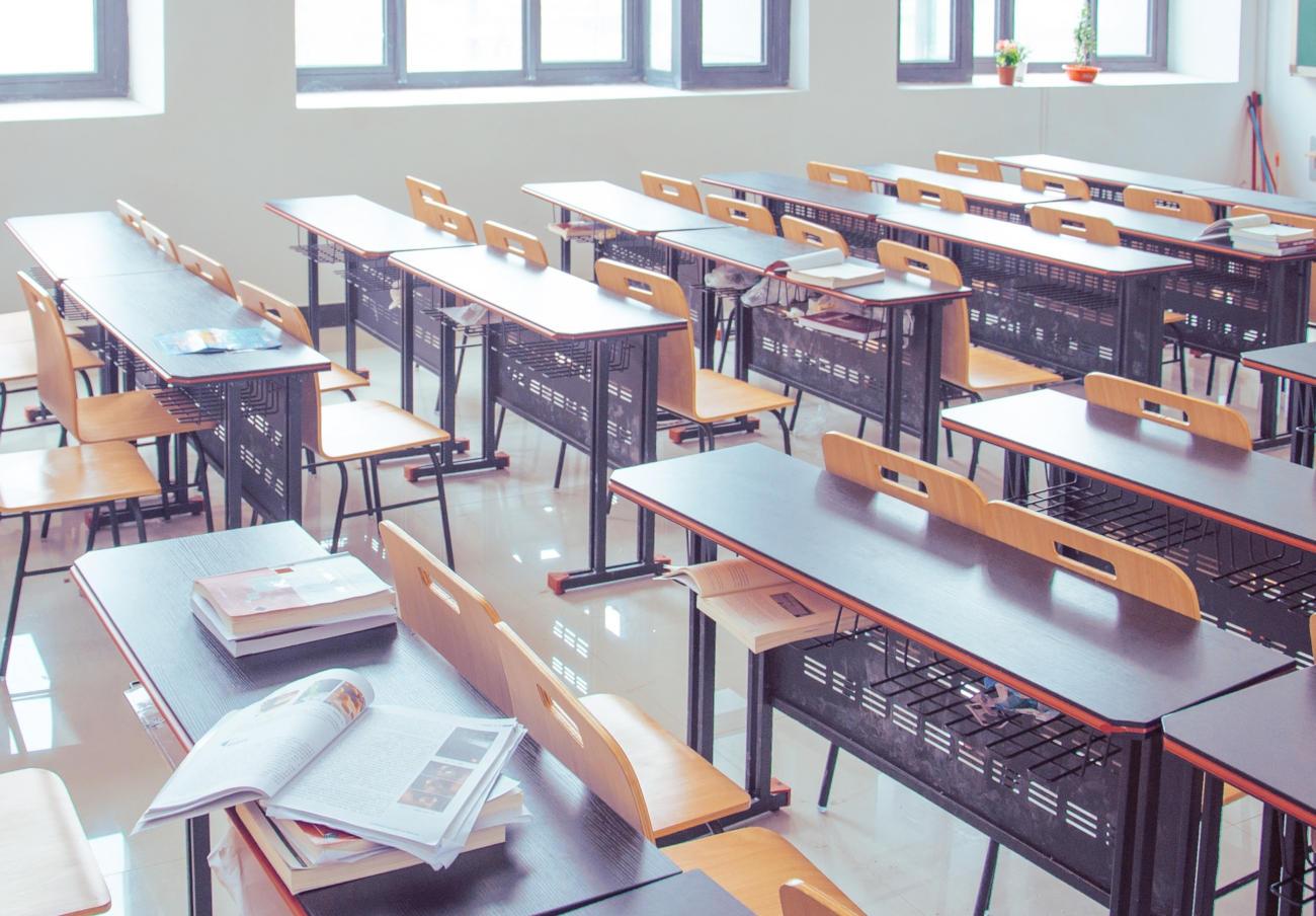La CNMC multa a 34 editoriales con casi 34 millones de euros por pactos en la venta de libros de texto