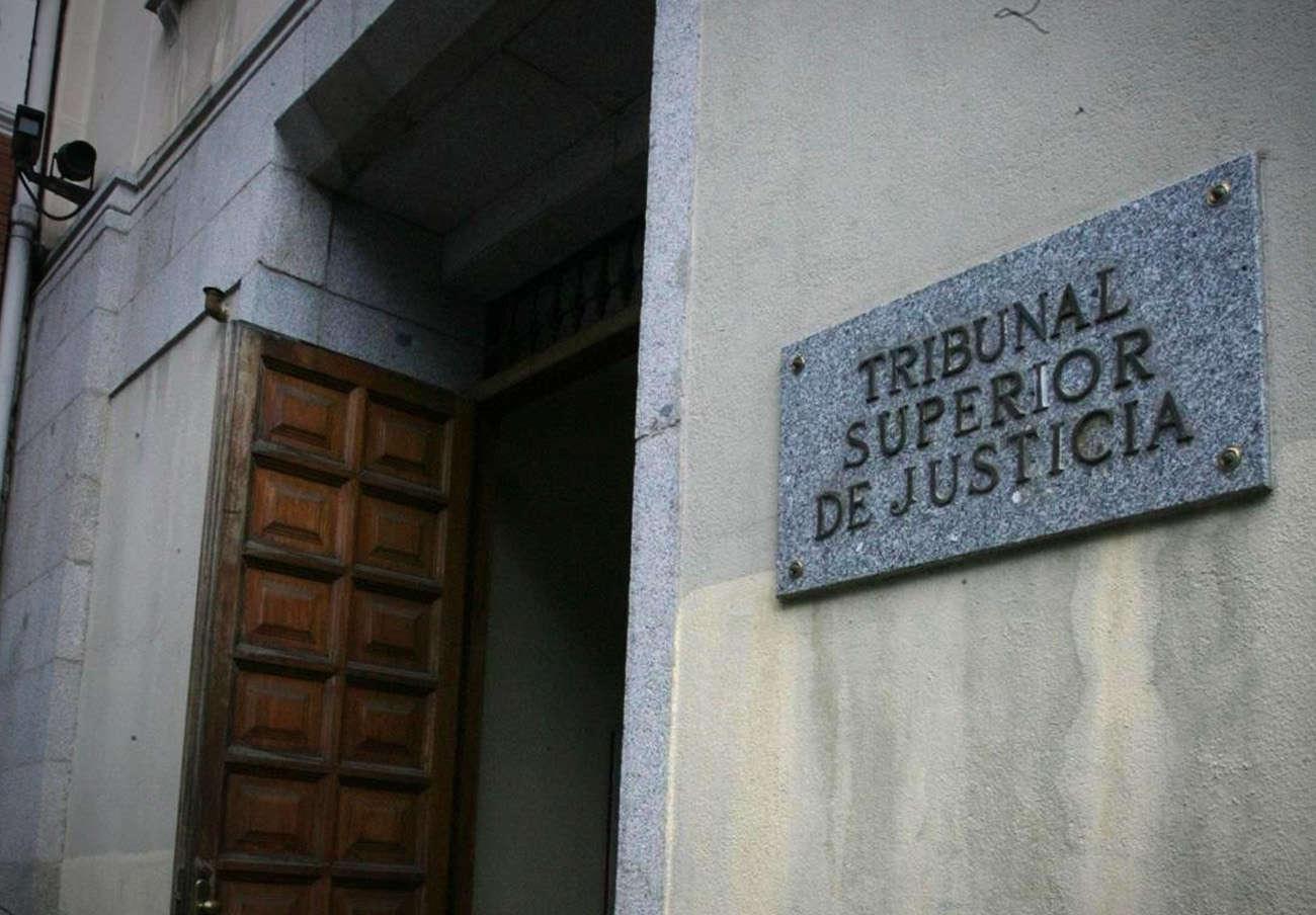 El TSJM confirma que la venta de 3.000 viviendas sociales a un fondo buitre en Madrid fue ilegal