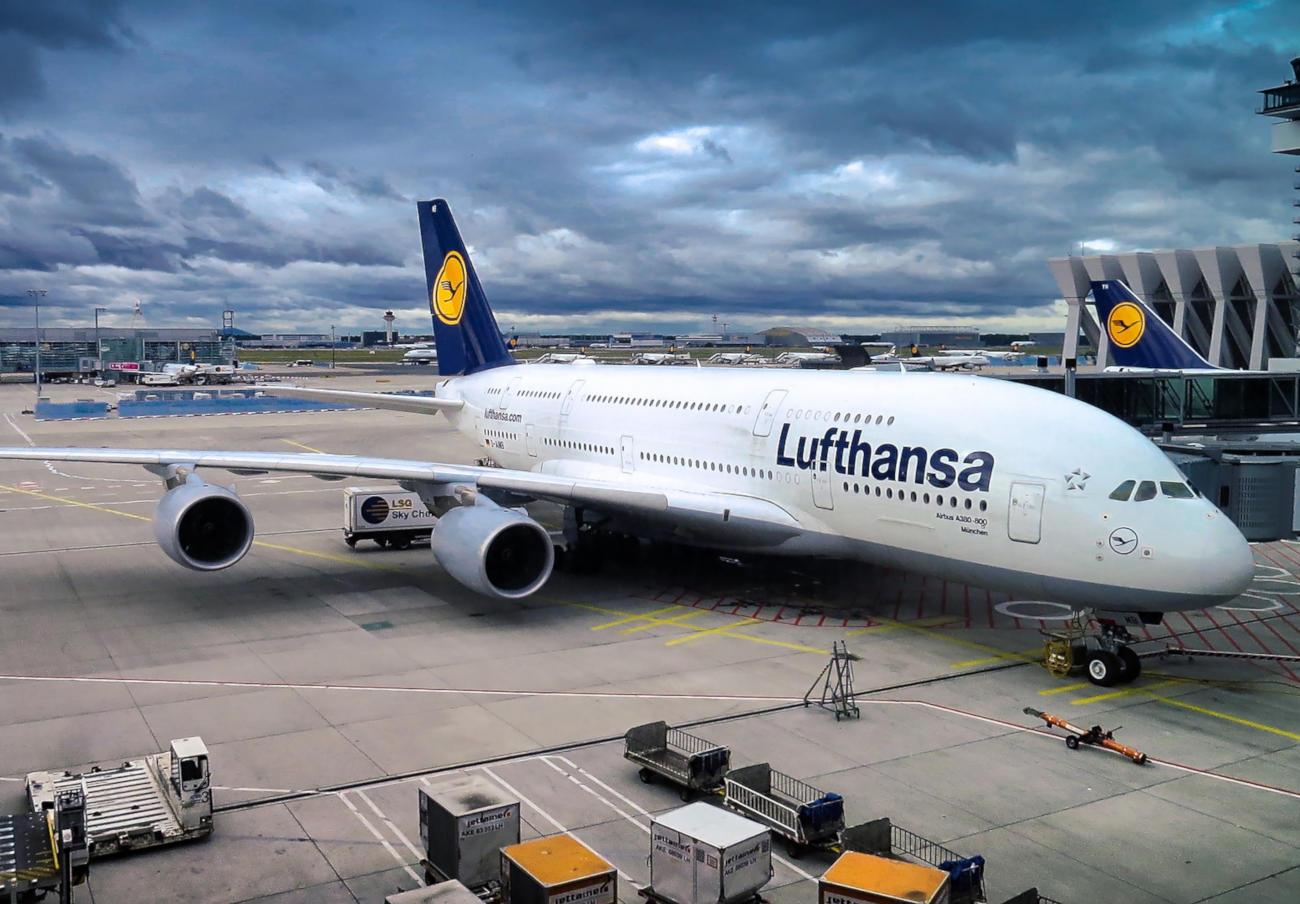 Lufthansa se negó a devolver 559 euros de unos billetes duplicados pese a permitirlo en sus condiciones
