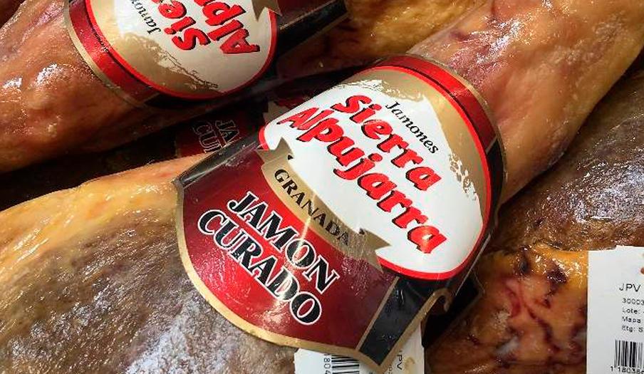 FACUA denuncia a Comapa por vender jamones polacos como si fueran de la Alpujarra de Granada