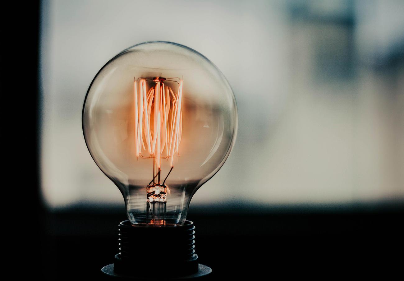 El recibo de la luz sufre una subida mensual del 3,2% en julio aunque sigue más bajo que hace un año