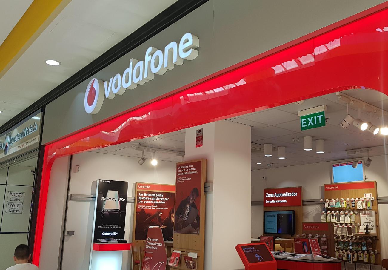 Vodafone devuelve 1.400 euros a una usuaria por servicios que tuvo contratados cinco años sin saberlo