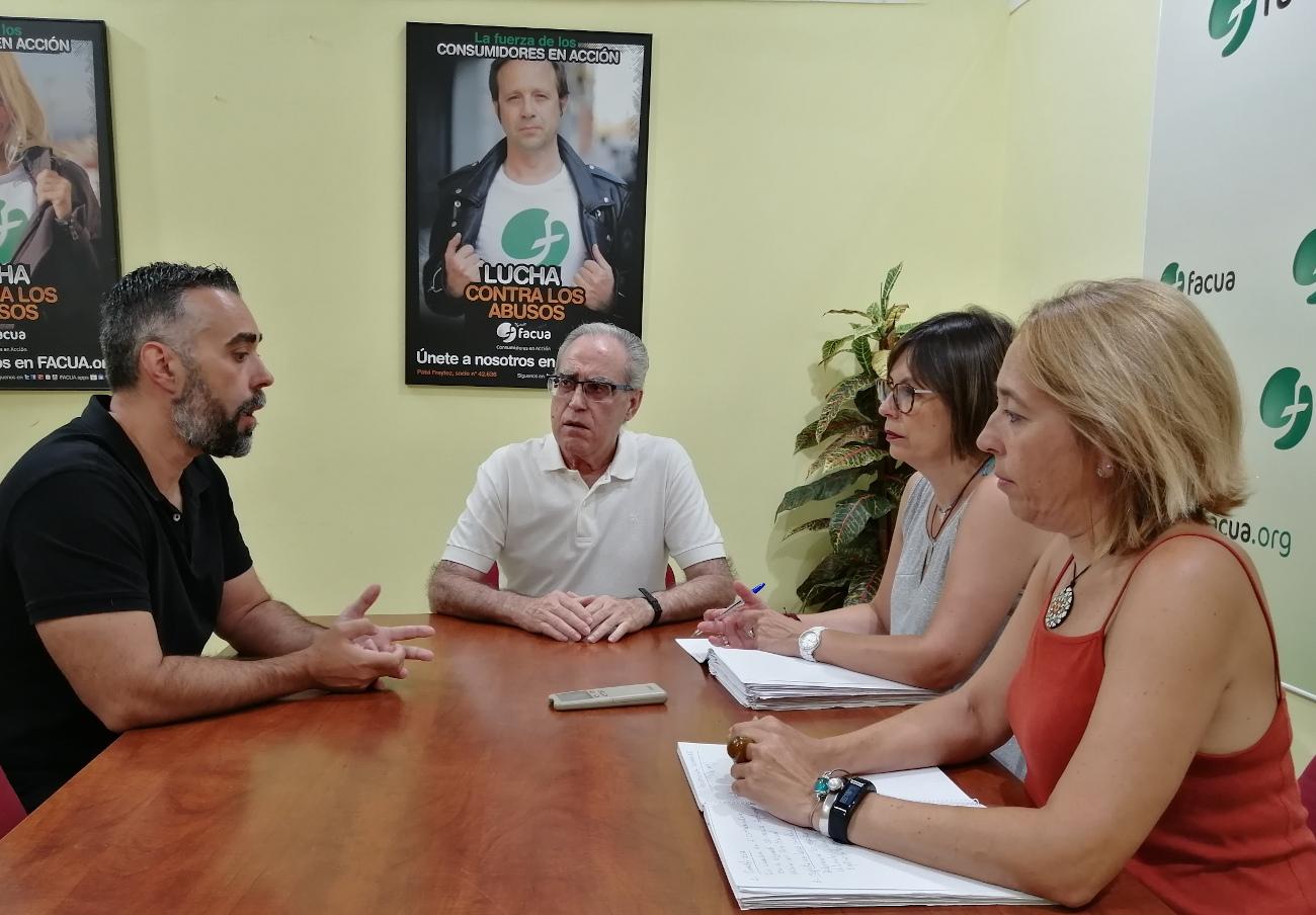 Alerta por listeriosis: FACUA pide reuniones al presidente Sánchez y a los líderes de la oposición