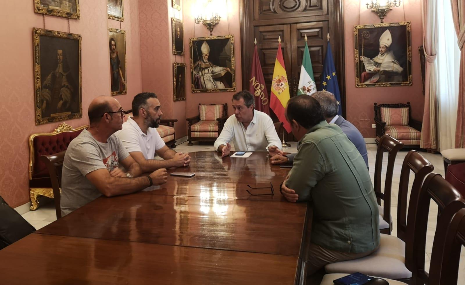 El Ayuntamiento de Sevilla precinta Magrudis tres días después de la petición de FACUA al alcalde