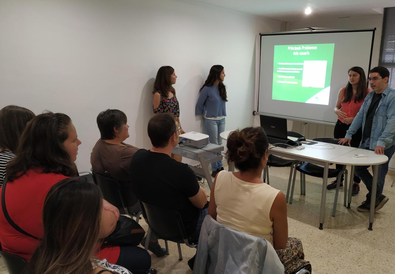 FACUA Catalunya imparteix una sessió informativa de l'empresa municipal de formació de Mollet del Vallès