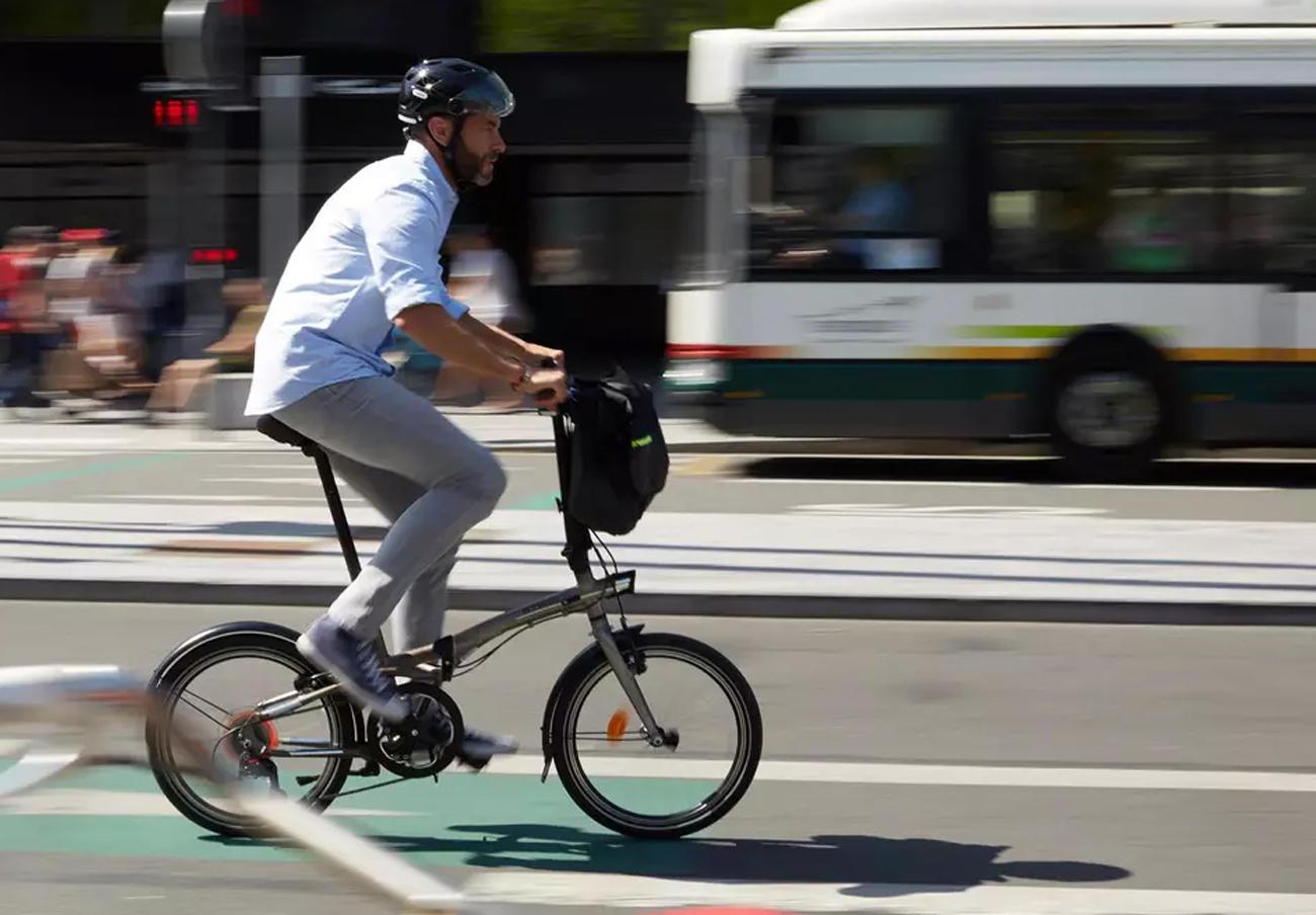 FACUA alerta de fallos en el manillar de bicicletas plegables Tilt 900 marca Btwin vendidas por Decathlon
