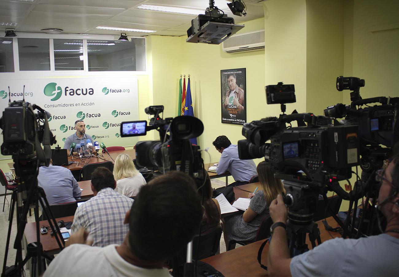 FACUA comparecerá en el Parlamento de Andalucía para hablar de la crisis de la listeriosis