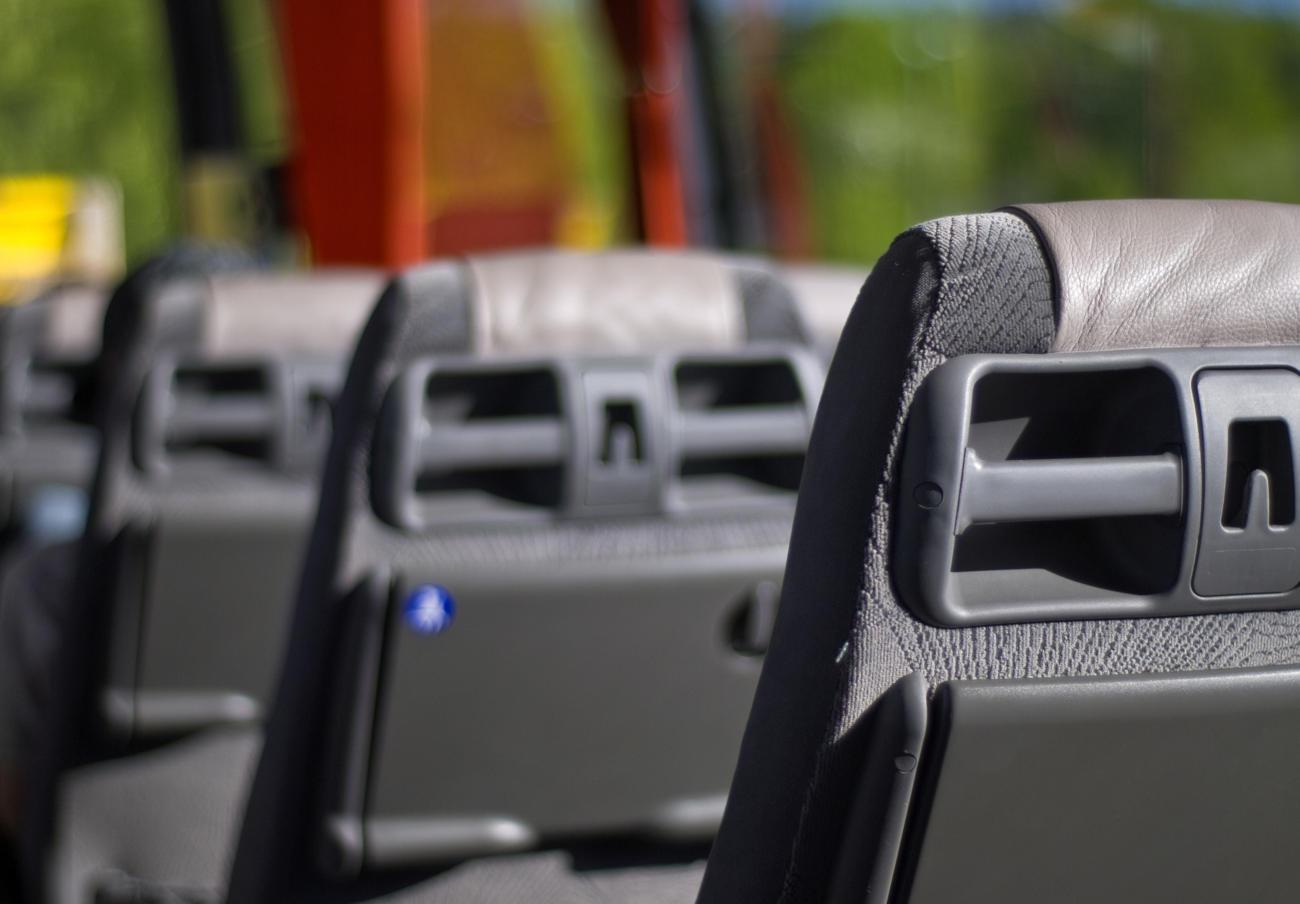 La CNMC abre expediente sancionador a 25 empresas de transporte de viajeros por carretera