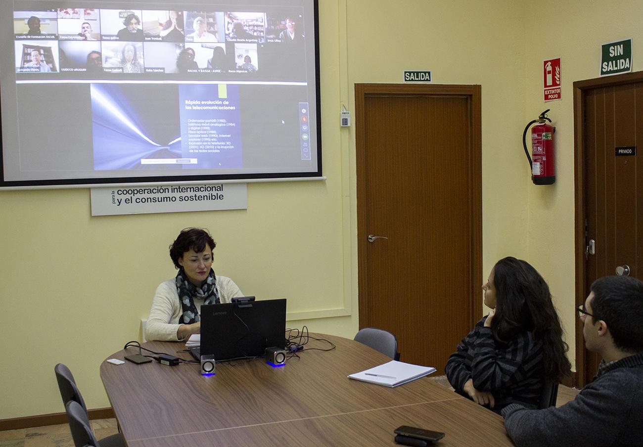 Momento del II Foro virtual de la Fundación FACUA y la Fundación Ciudadana por un Consumo Responsable, de Chile.