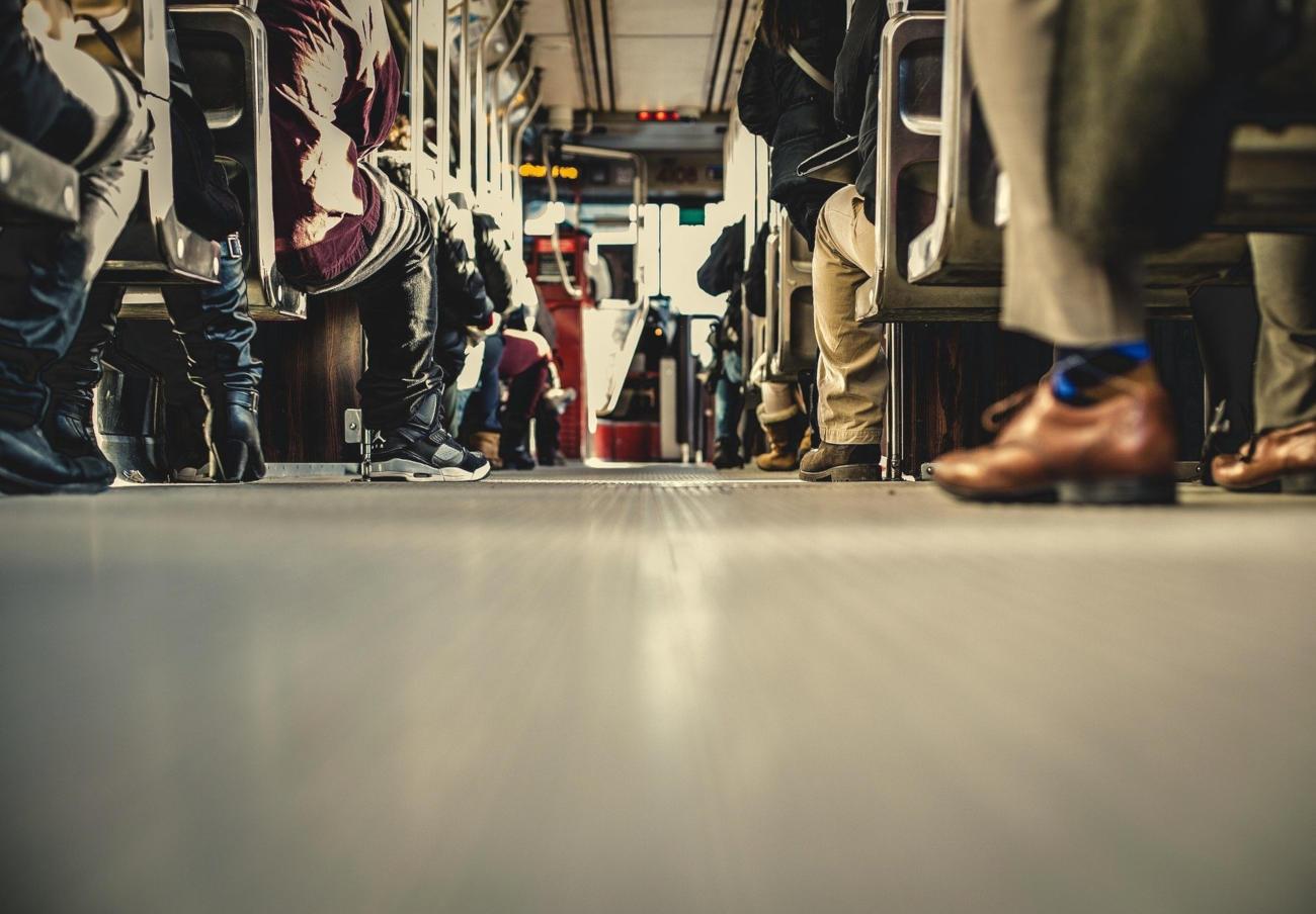 FACUA Euskadi pide ayudas en el transporte para los alumnos con discapacidad que cursen un segundo grado