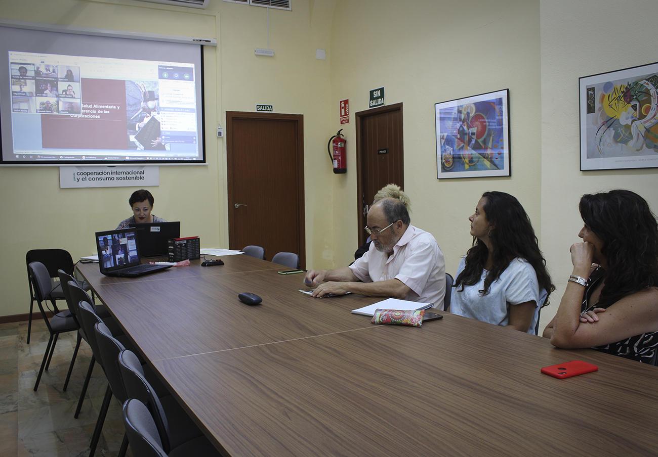 La Escuela de Formación de FACUA lleva a cabo formaciones tanto presenciales como por videoconferencia.