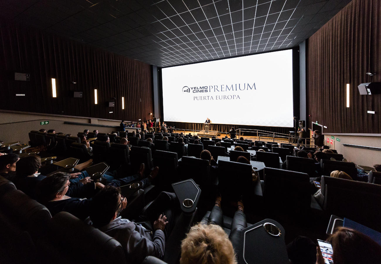 """Tras la denuncia de FACUA, la Junta dice que es """"ilegal"""" que los cines impidan entrar con bebida y comida"""