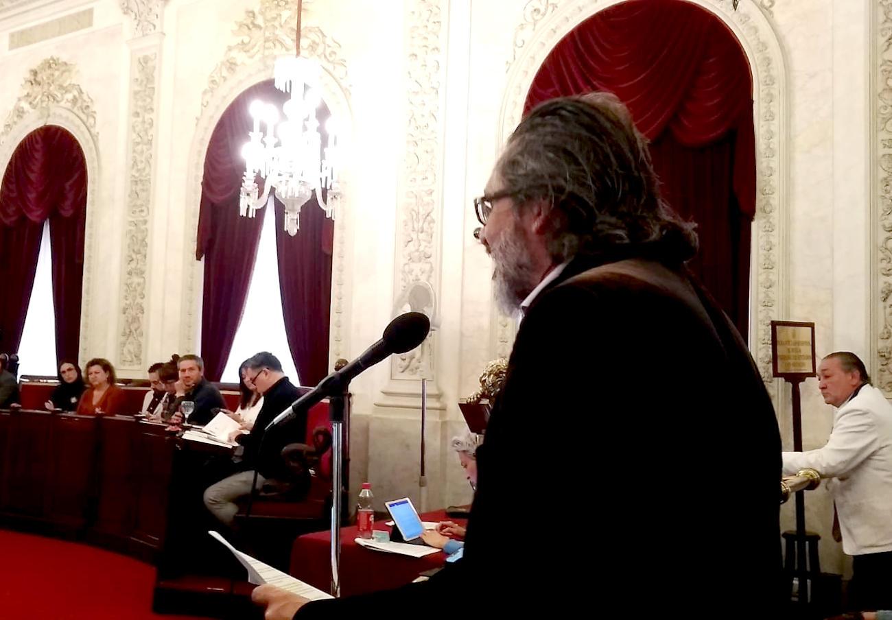 El pleno del Ayuntamiento de Cádiz acuerda reclamar a la Junta que revoque el desalojo de FACUA Cádiz