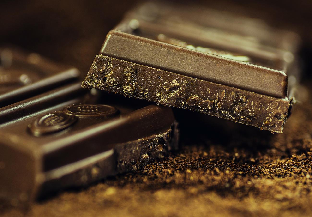 Detectan proteínas de leche en chocolate negro relleno de menta marca Weinrichs 1895