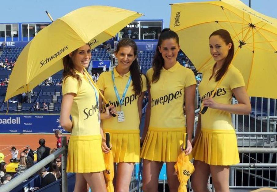 Confirman la multa de 25.000 euros por vestuario sexista en las azafatas del torneo Conde de Godó