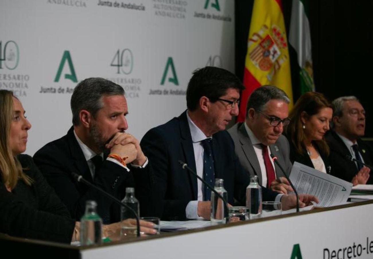 FACUA Andalucía critica que la Junta reforme por decretazo 27 normas que afectan a la actividad económica