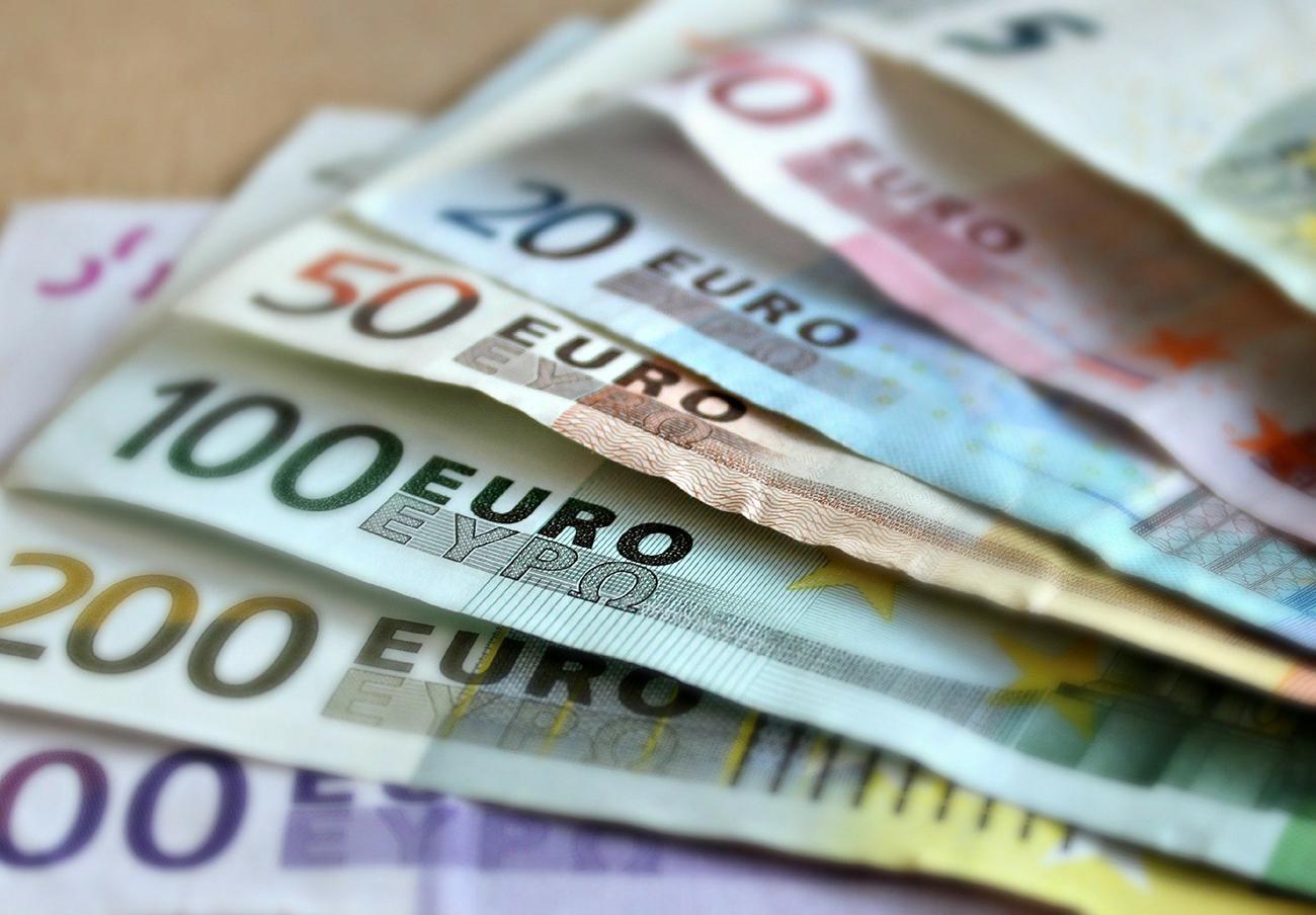 FACUA insta al Gobierno a extender la moratoria en el pago de hipotecas a los créditos al consumo